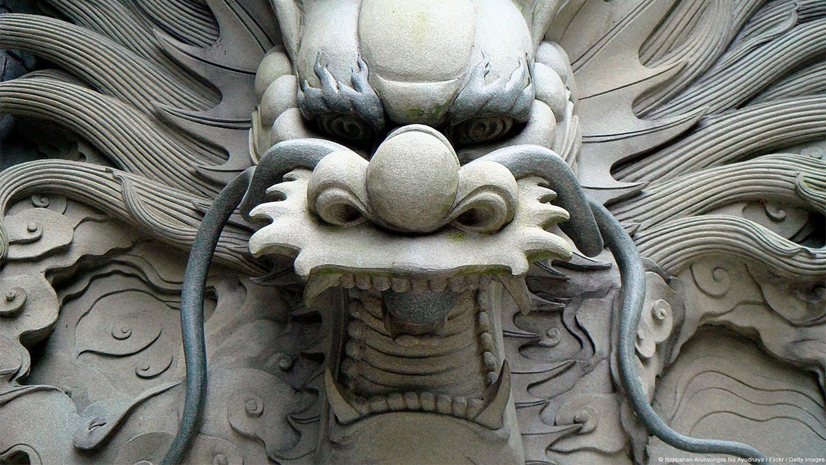 chinese stone dragon