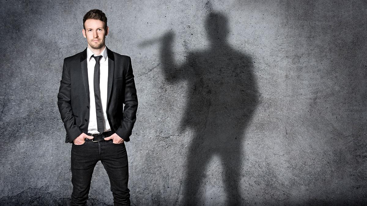 con man shadow
