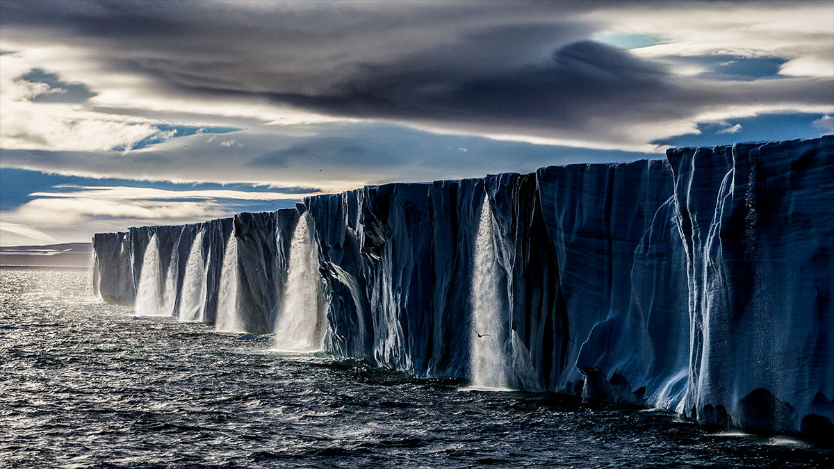iceberg waterfalls