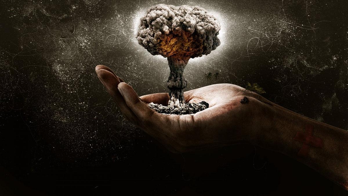 nuclear mushroom in hand
