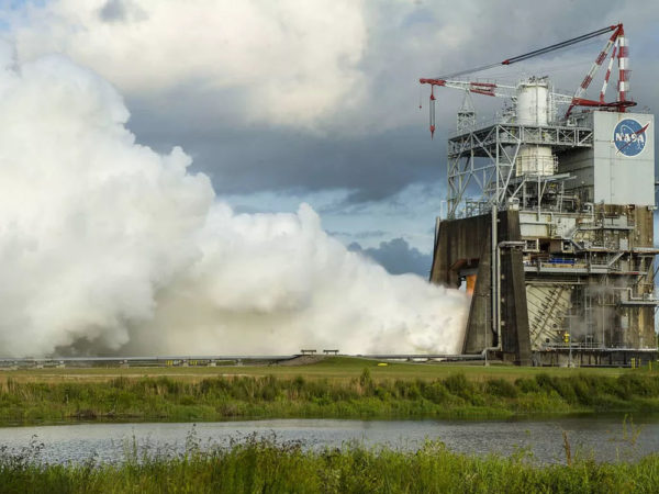 the soothing sounds of a shuttle rocket test